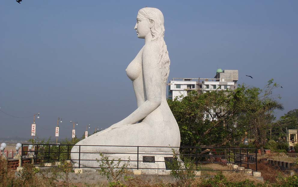 08-Kollam beach Mermaid-statue