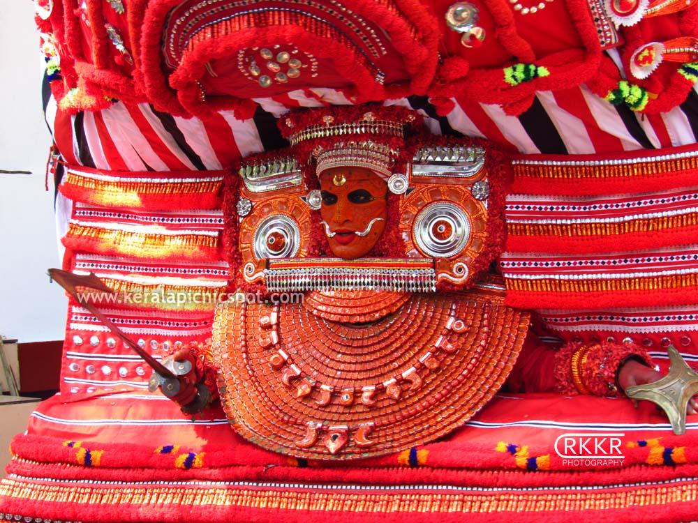 Chonamma Bhagavathi-Theyyam