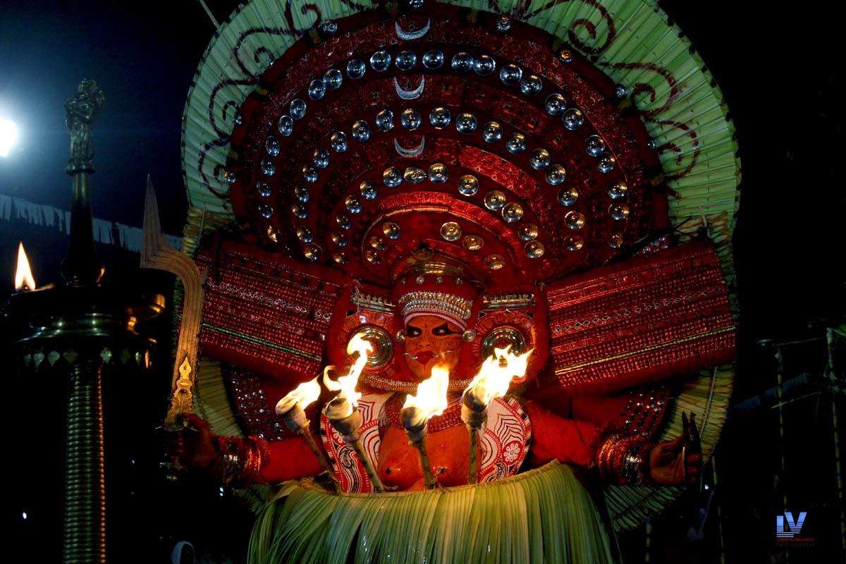 Narambil Bhgavthi Theyyam