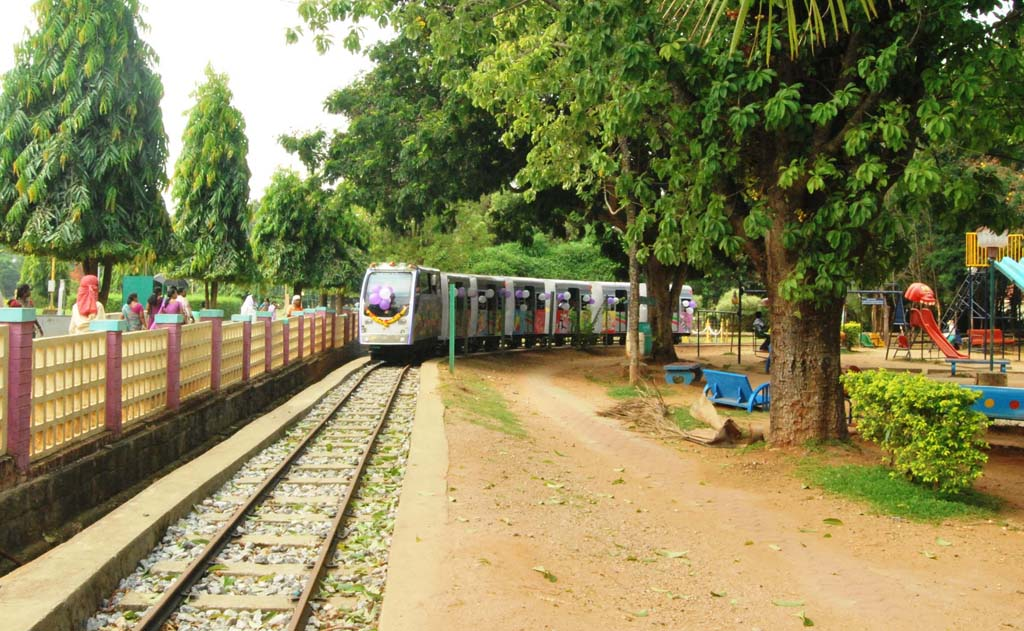 Toy Train at Malampuzha